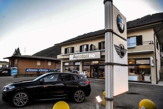 Insegne BMW e mini filiale Autorino Verbania